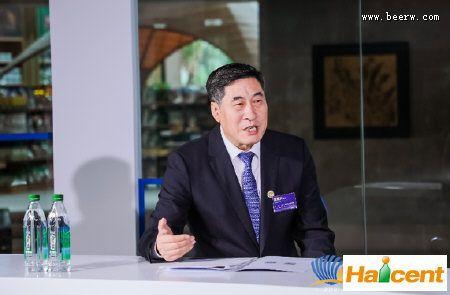 青啤董事长黄克兴:威廉希尔app网站行业要向高质量发展转型