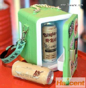 """青岛啤酒为啤酒量身设计""""冰箱包"""""""